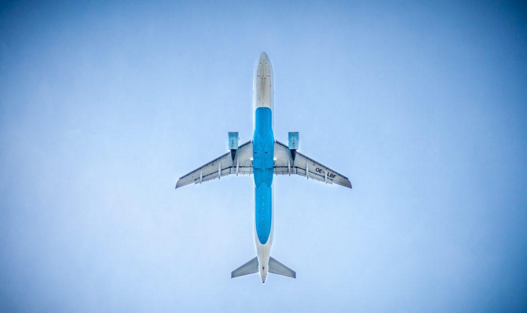 איך מוצאים טיסות זולות באינטרנט